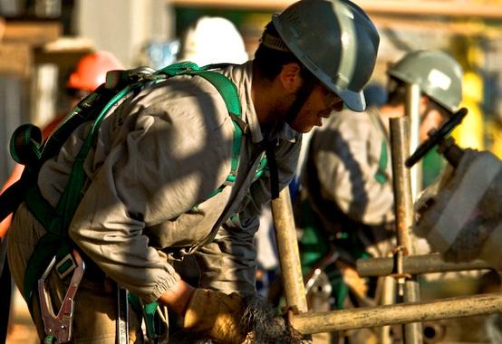 Resultado de imagem para funcionários petroleo e gas
